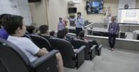 Alunos da escola Machado de Assis aprendem sobre cidadania em palestra do Projeto Vereador Mirim