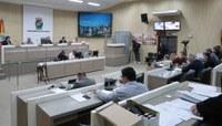 Câmara aprova reposição salarial parcelada para servidores e agentes políticos