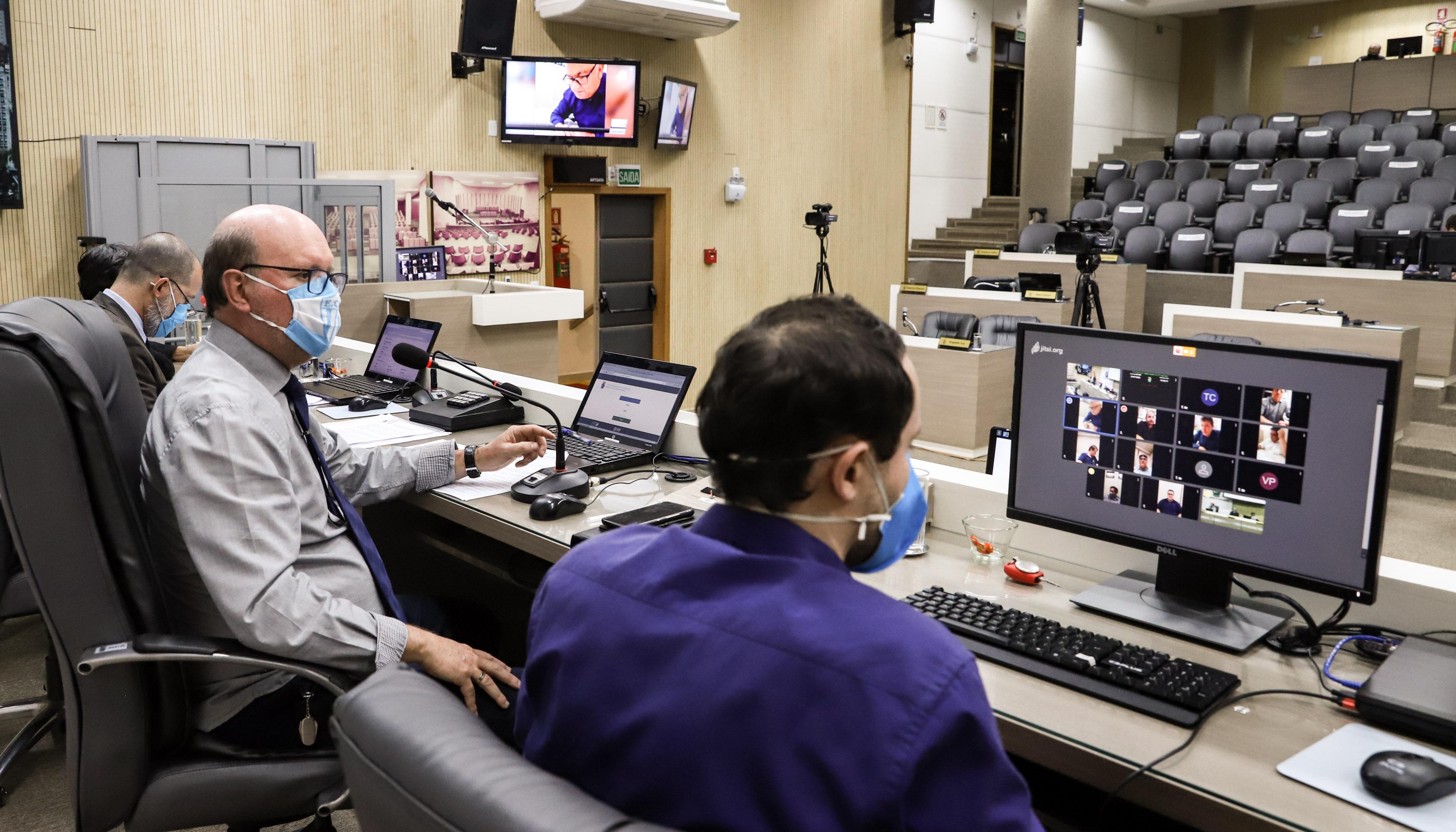 Câmara de Novo Hamburgo realiza primeira sessão virtual de sua história