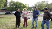 Comissão acompanha impasse de terreno onde pode ser construído espaço para pessoas com síndrome de Down