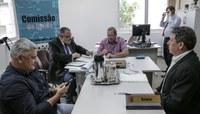 Comissão de Saúde dá prosseguimento a dois projetos de lei