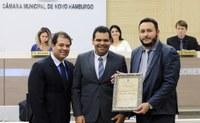 Escritório de advocacia é homenageado por cinco anos de fundação