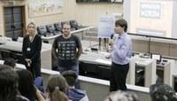 Estudantes aprendem sobre as diferentes manifestações de cidadania em palestra do Vereador Mirim