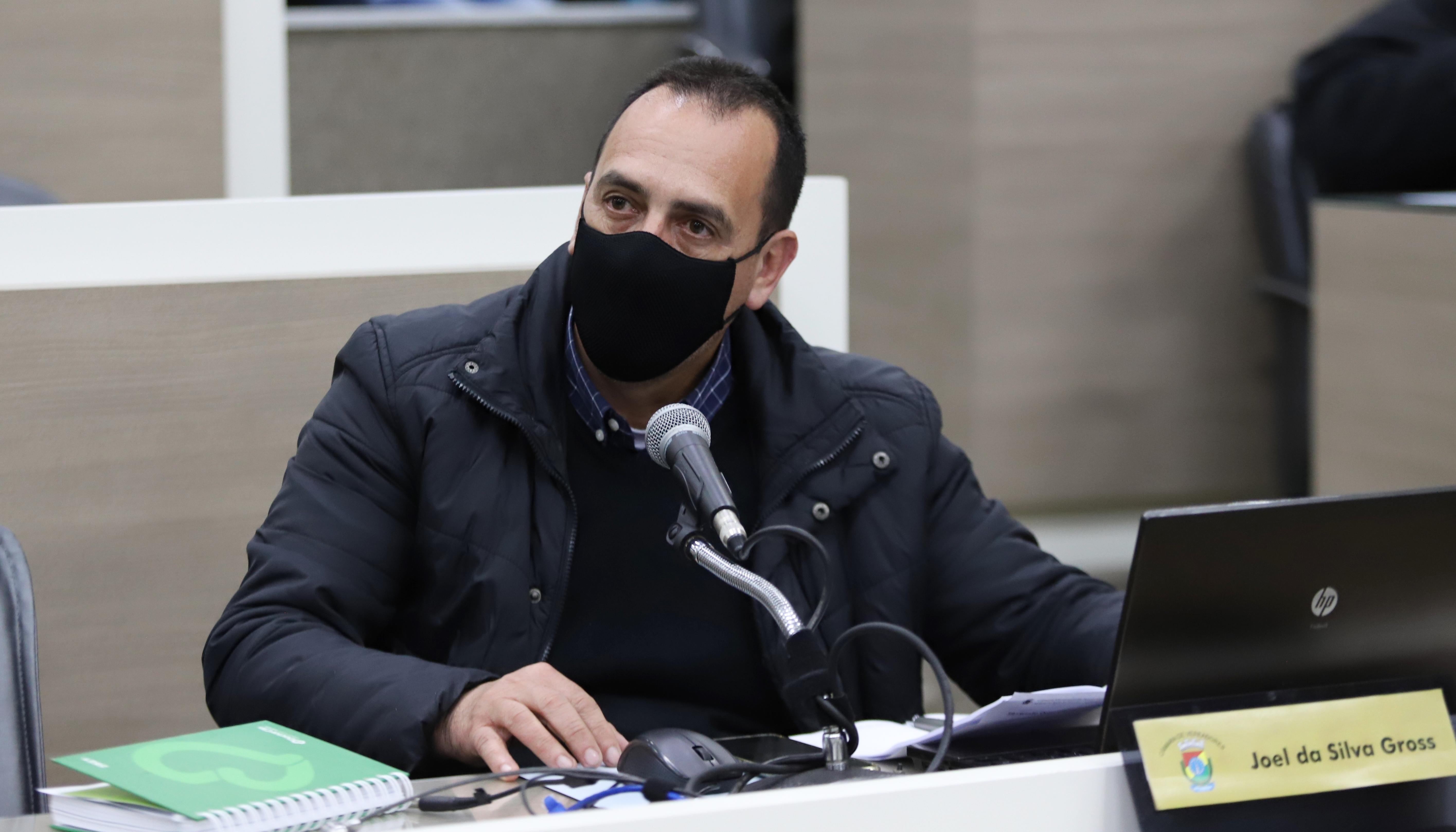 Joel Gross retorna à Câmara na vaga de Raizer Ferreira