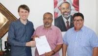 Mesa Diretora da Câmara convida senador Paim para abertura de Oficina Interlegis