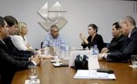 Mesa Diretora reúne-se com ACI e Observatório Social