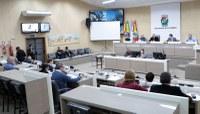 Município formaliza doação de carro de combate a incêndio ao Aeroclube