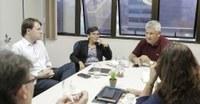Obras em escolas da rede municipal pautam reunião entre comissão e secretaria de Educação