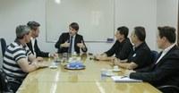 Presidente recebe representantes do grupo virtual Novo Hamburgo