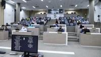 Primeira sessão ordinária da nova legislatura tem pauta extensa e criação de comissões especiais