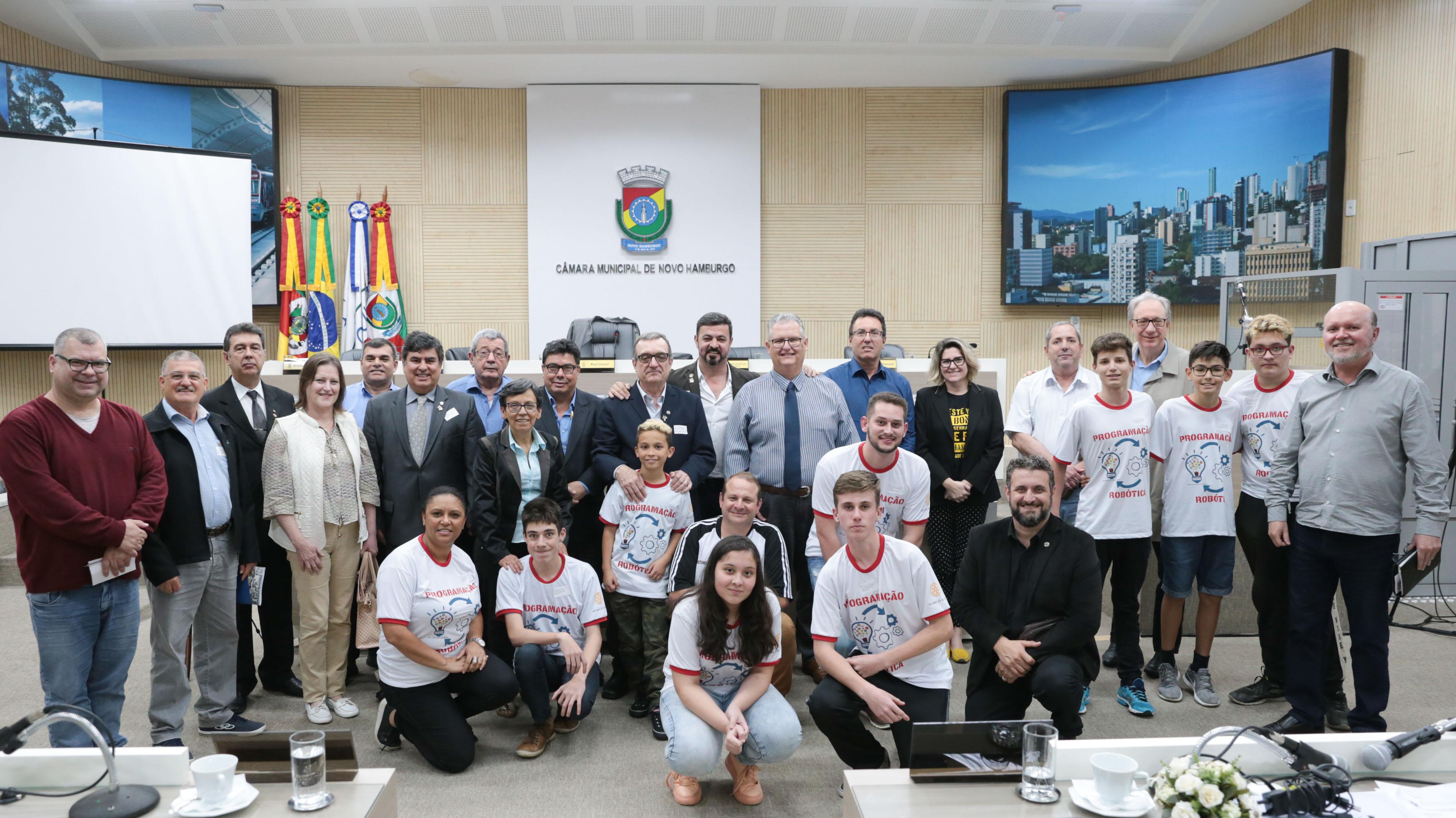 Projeto do Rotary 25 de Julho aproxima escolas municipais da robótica