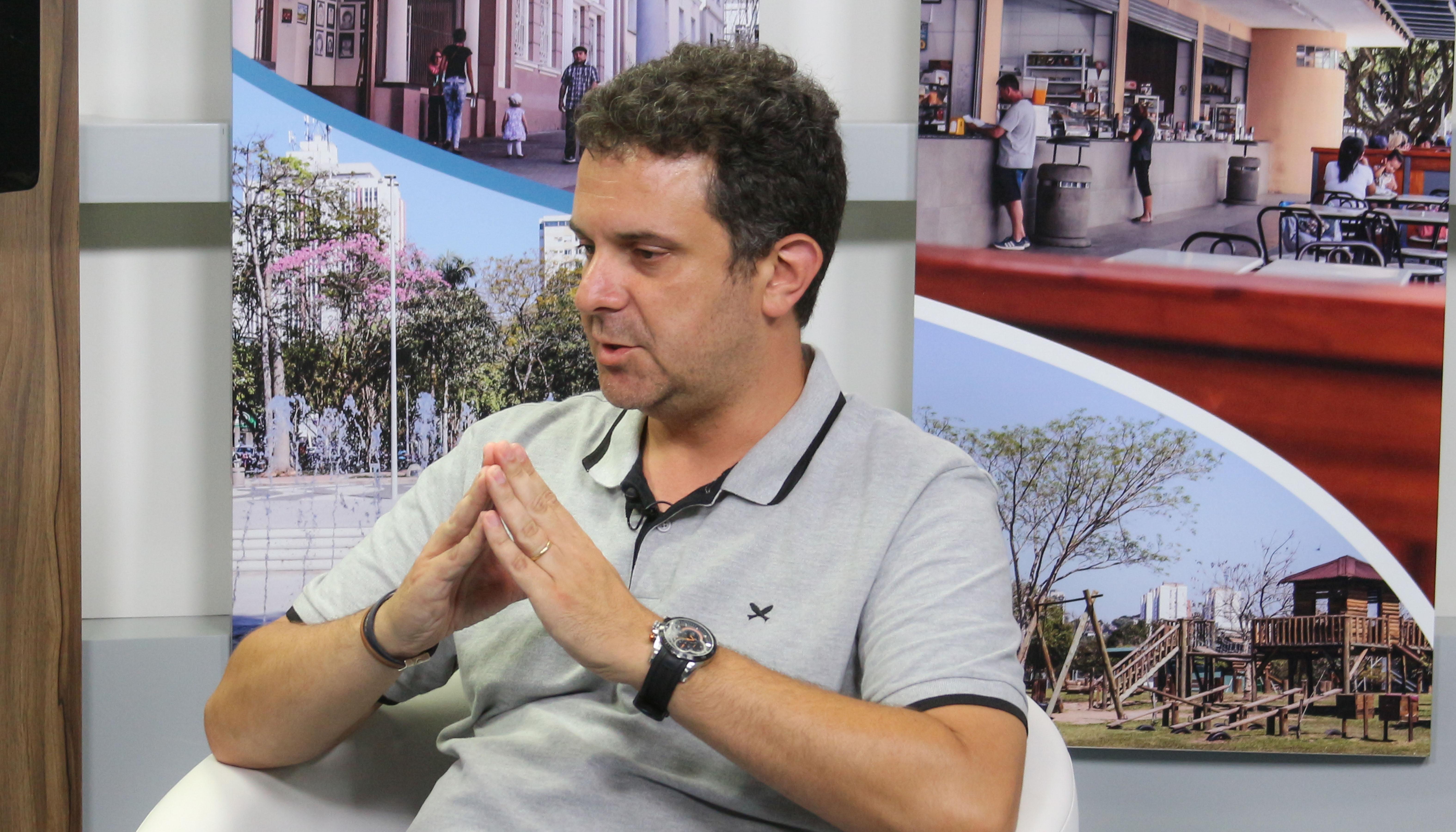 TV Câmara –  Pesquisador traz informações sobre surto de coronavírus