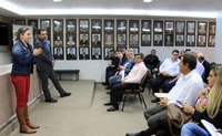 Vereadores fazem reunião com associação dos motoristas de aplicativos de transporte individual