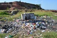 03/09/2018 - Vereador Nor Boeno pede recolhimento de entulhos e ampliação do itinerário de coleta de lixo para rua de Canudos