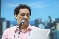 04/02/2020 - Vereador Inspetor Luz solicita remoção de fios de iluminação caídos na rua Bento Gonçalves