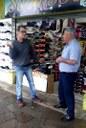 04/05/2017 – Gabinete: Nor Boeno visita comerciantes prejudicados com mudanças no trânsito da avenida Vitor Hugo Kuntz