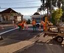 04/06/2020 - Raul Cassel comemora pintura de faixas de pedestres