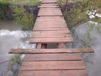 07/07/2020 - Fernando Lourenço requisita conserto de ponte na rua Assis Brasil