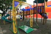 07/12/2017 - Gabinete: Projeto de lei dispõe sobre a instalação de brinquedos adaptados em praças do Município
