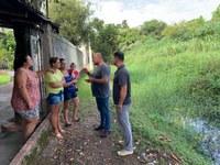 08/04/2019 - Fernando Lourenço visita a rua Tamanduá em Canudos