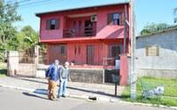08/06/2020 - Nor Boeno solicita conserto de calçada danificada por infiltração no bairro São Jorge