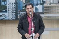 10/09/2019 - Vereador Inspetor Luz solicita poda de árvore na rua Araxá