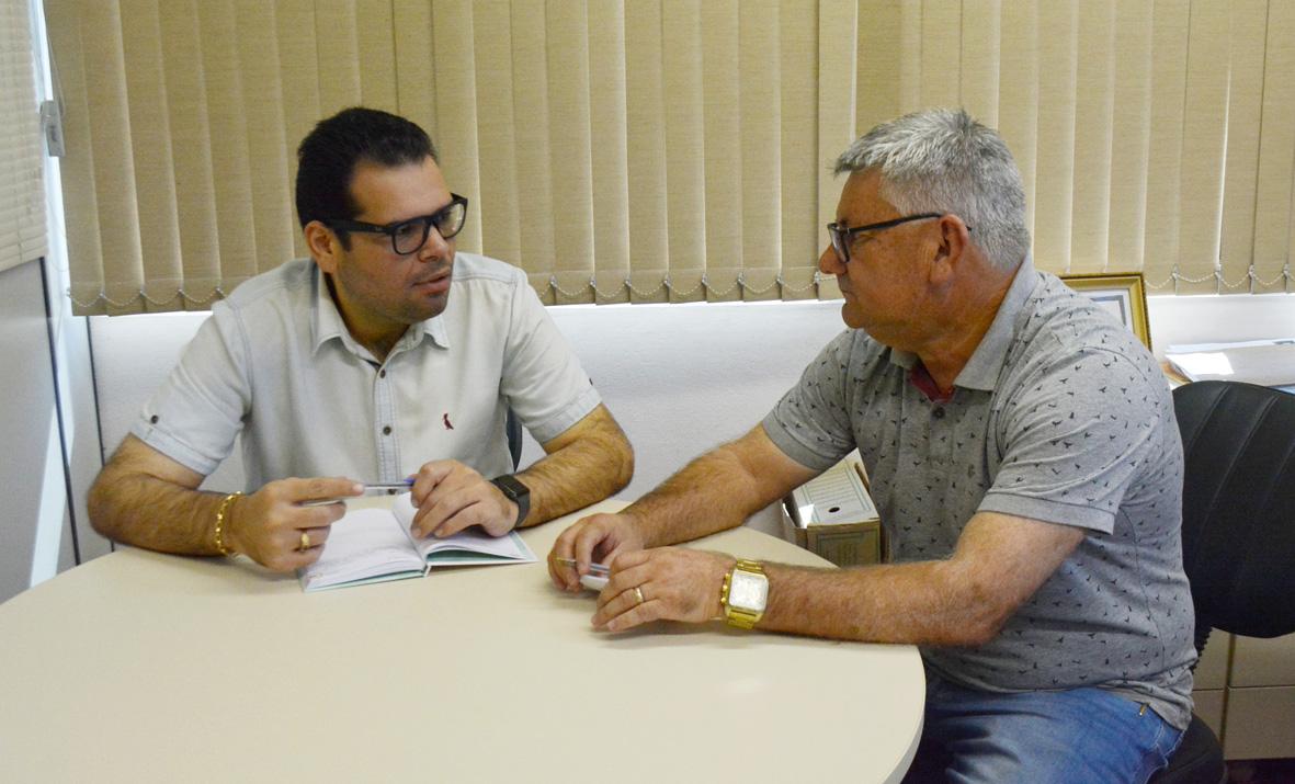 11/02/2019 - Vereador Nor Boeno esclarece dúvidas da comunidade com o secretário de Saúde do Município