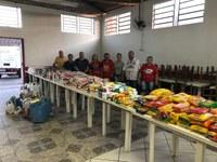 12/12/2018 - Mais de uma tonelada de alimentos é arrecadada durante festa alusiva ao aniversário do Clube Atlético Veterano
