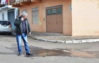 13/07/2018 – Vereador Nor Boeno abre ordem de serviço para conserto de vazamento em Canudos