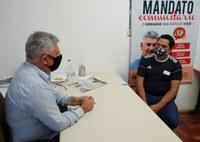 14/05/2020 - Vereador Nor Boeno recebe líder comunitário do bairro Canudos