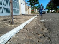 14/11/2018 - Nor Boeno solicita recapeamento asfáltico para facilitar estacionamento de veículos no bairro Liberdade
