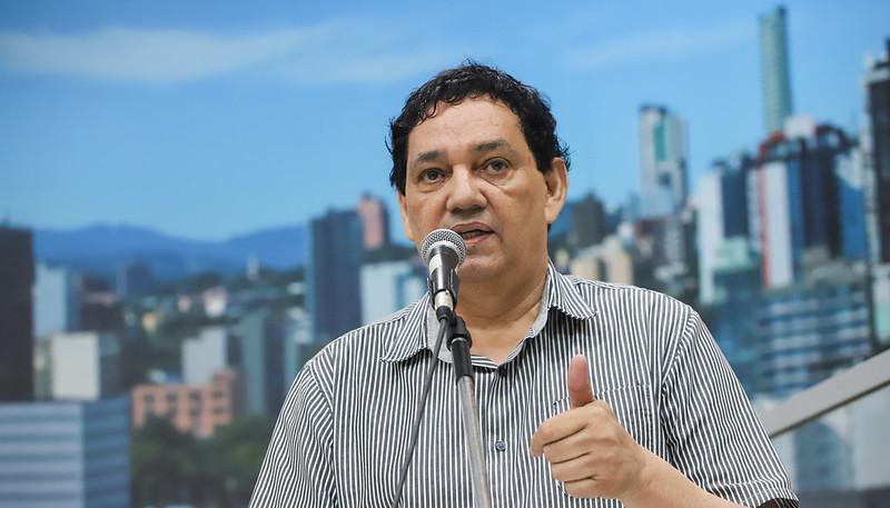 17/02/2020 - Vereador Inspetor Luz solicita remoção de galhos no bairro Rio Branco