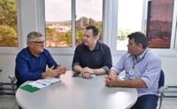 18/03/2020 - Vereador Nor Boeno reúne-se com diretor-geral da Comusa para encaminhar demandas da comunidade
