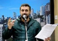 18/07/2017 - Gabinete: Issur sugere destinação de verbas devolvidas pela Câmara de Vereadores à Prefeitura