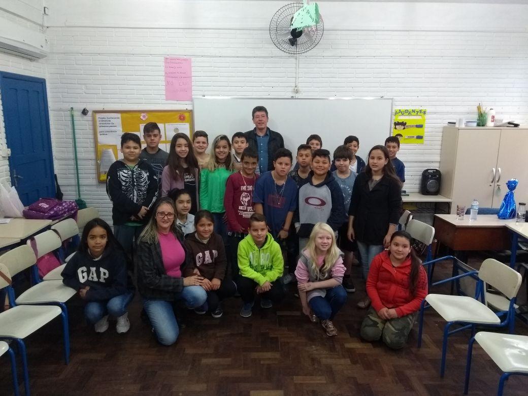18/09/2018 - Vereador Serjão faz visita à Escola Leopoldo Petry