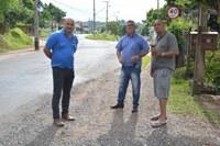 18/12/2019 - Vereador Nor Boeno repassa demandas da comunidade do bairro Rincão ao diretor de Transportes