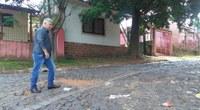 19/10/2018 - Vereador Nor Boeno solicita recomposição de pavimentação em rua de paralelepípedo na Vila das Flores