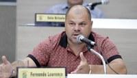 20/05/2020 - Fernando Lourenço requisita recolhimento de galhos na rua Jaboti
