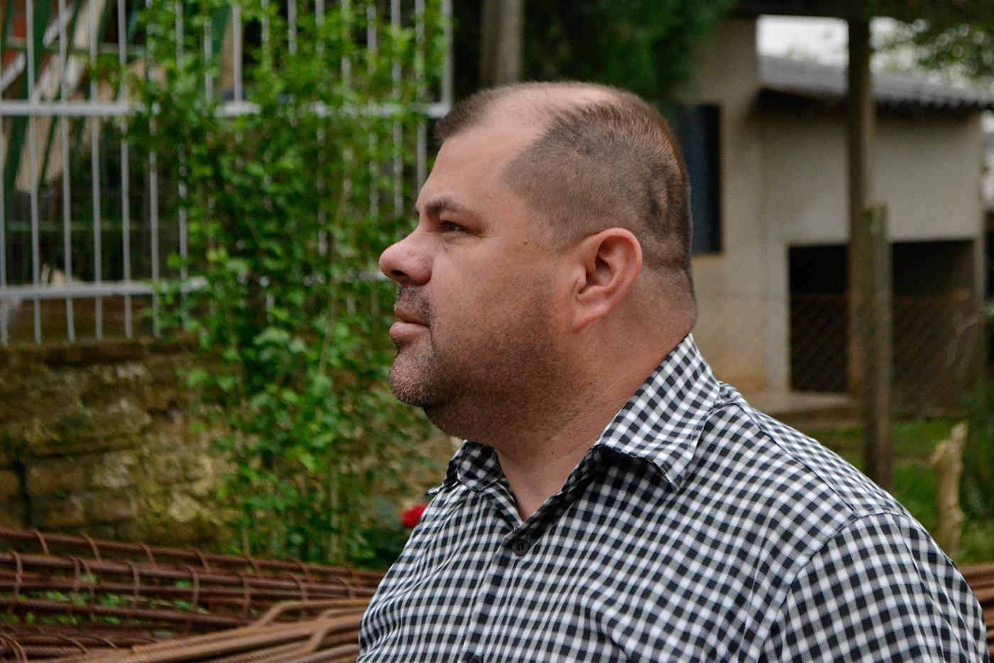 20/12/2018 – Fernando Lourenço fiscaliza serviço de colocação de tampas em bocas de lobo no Canudos