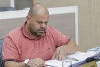 21/05/2019 - Fernando Lourenço requer conserto de boca de lobo no bairro Canudos