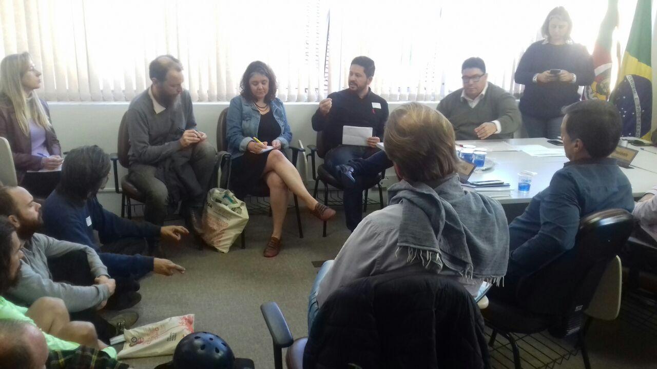 22/08/2017 - Gabinete: Ocupação dos espaços públicos volta a ser debate na Câmara em reunião da Cofin