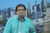 22/11/2019 - Vereador Inspetor Luz solicita substituição de tampa de boca de lobo no bairro Ouro Branco