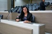23/05/2018 - Gislaine Pires assume cadeira em sessão na Câmara