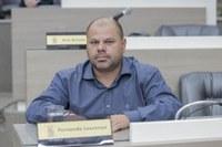 24/06/2020 - Fernando Lourenço demanda recolhimento de galhos na rua João Ribeiro