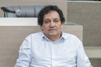 24/10/2019 - Vereador Inspetor Luz solicita conserto de buraco na esquina da avenida Primeiro de Março com a rua Osvaldo Aranha