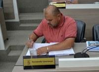 25/04/2019 - Fernando Lourenço requisita recolhimento de entulhos na rua Venâncio Aires em Canudos