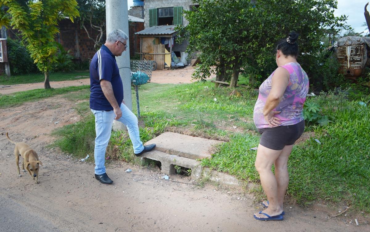 26/03/2019 - Vereador Nor Boeno solicita limpeza e desobstrução de rede de esgoto próxima à Avenida dos Municípios