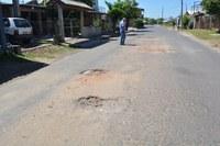 27/02/2019 - Vereador Nor Boeno solicita operação tapa-buracos em rua no bairro Santo Afonso
