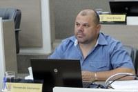 27/07/2020 - Vereador Fernando Lourenço demanda recolhimento de galhos na rua Odon Cavalcante