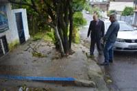 29/05/2019 - Vereador Nor Boeno solicita conserto de infiltração em passeio público no bairro Primavera